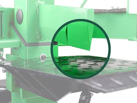 Kloofmachine-8ton-kloofbeitel-op-klooftafel